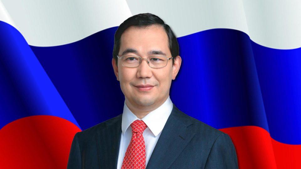 Айсен Николаев: Флаг России является для каждого из нас символом могущества и единства нашей Родины