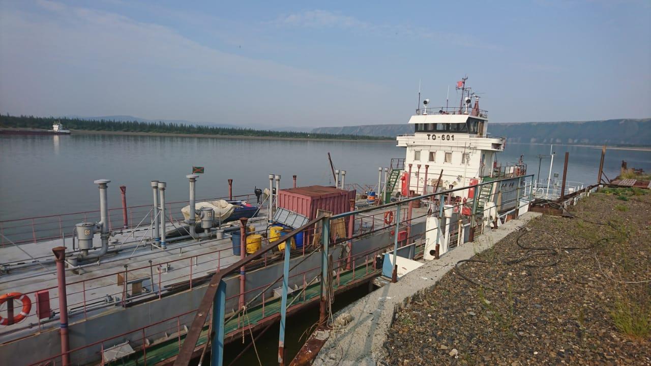 Саханефтегазсбыт отгрузил 50 % грузов от плана по доставке  нефтепродуктов