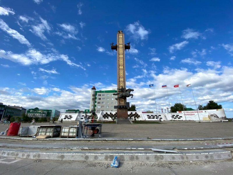 В Якутске завершается ремонт площади Победы и мемориального комплекса «Солдат Туймаады»